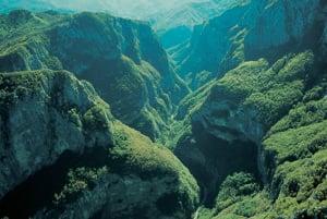 Jeden z množstva výhľadov na kaňon Sušica.