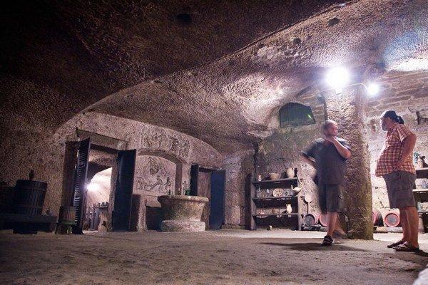 V údolí krásnej panej v Egri je množstvo pivníc s kvalitným vínom.