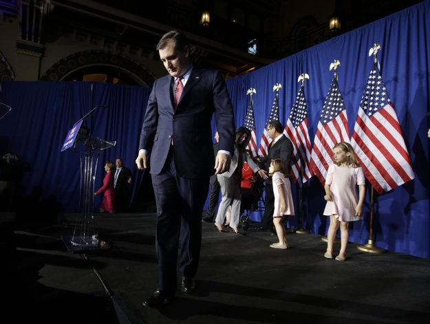 Ted Cruz odchádza z pódia i z boja o post prezidentského kandidáta republikánov.