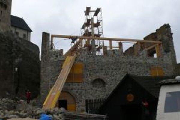Opravu hradných kasární financujú z eurofondov.