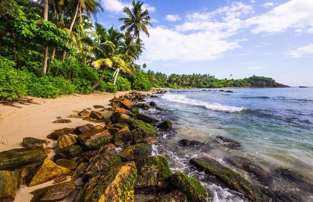 Blue beach na Srí Lanke je exotika s minimom ľudí.