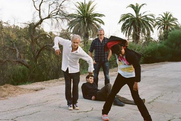 Red Hot Chilli Peppers novú pesničku ohlasovali už v utorok na twitteri.