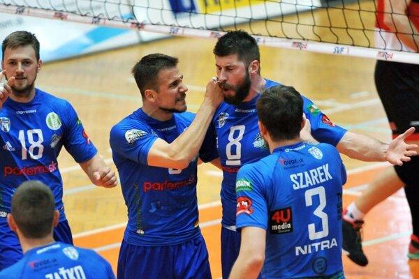 Volejbalisti Nitry vyhrali tretí zápas v rade (vždy 3:0) a v nedeľu môžu doma spečatiť historický titul.