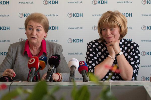 Kandidátka na post predsedníčky KDH Eleonóra Porubcová (vpravo) a Anna Záborská.