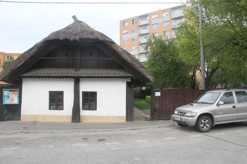 Ľudový domček v Šali.