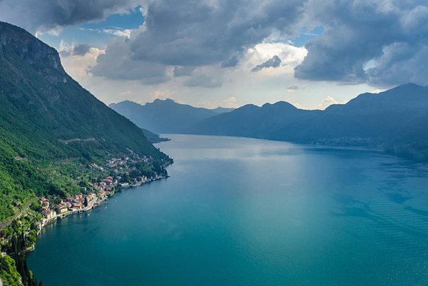 Jedným z miest krátkej májovej dovolenky môže byť severotalianske Lago di Como.