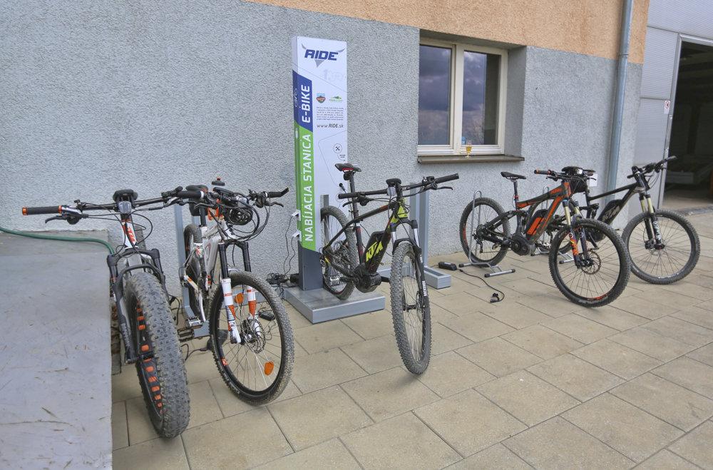 Fungovať bude aj požičovňa bicyklov a e-bikov.