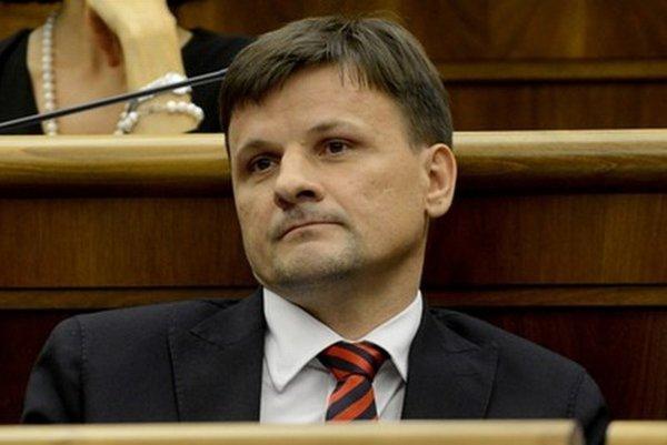 Medzi kandidátov na predsedu hnutia patrí aj Alojz Hlina.