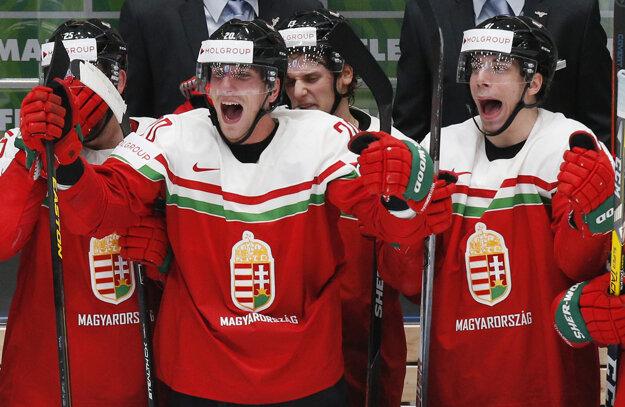 Nadšení hokejisti Maďarska.