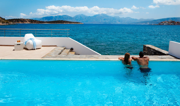 Art hotel Minos Beach