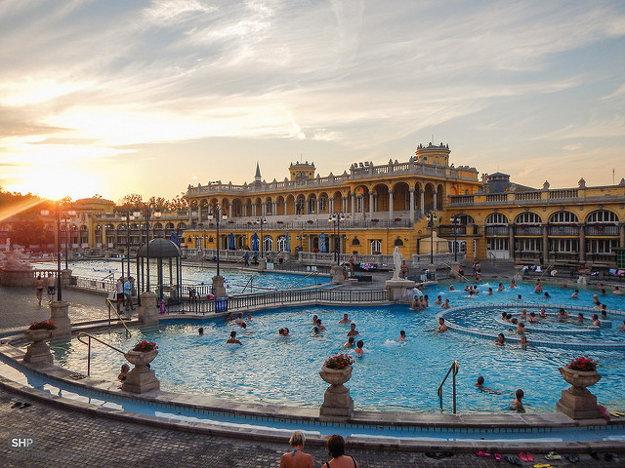 Termálne Széchenyiho kúpele v BUdapešti.