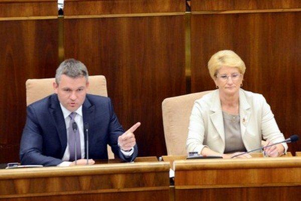 Peter Pellegrini a Jana Laššáková v parlamente.