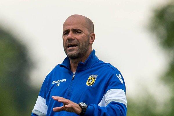 Bosz trénoval ešte pred pár mesiacmi doma klub Vitesse Arnhem. V Izraeli pôsobil od januára.