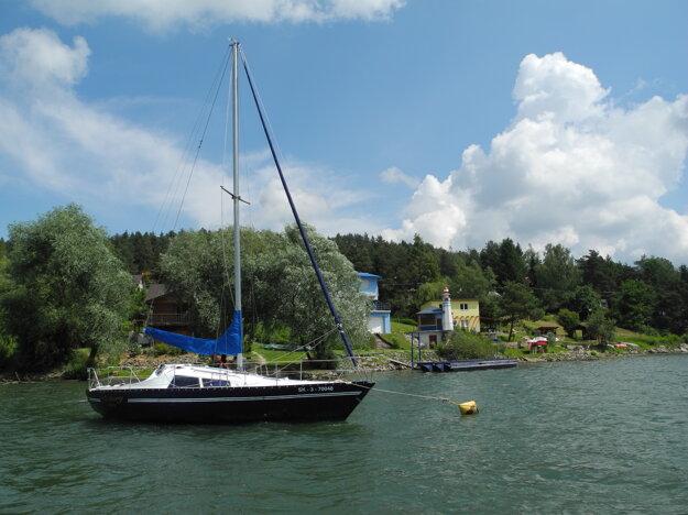 Na Domaši chýba väčšia loď na prepravu rekreantov.