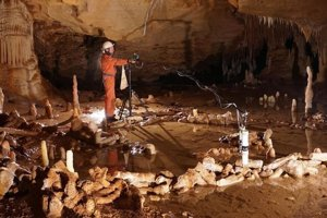 Sofistikované stavby postavili neandertálci pred 175-tisíc rokmi.