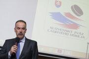 Prezident SZĽH Igor Nemeček počas zasadnutia Rady Slovenského zväzu ľadového hokeja.