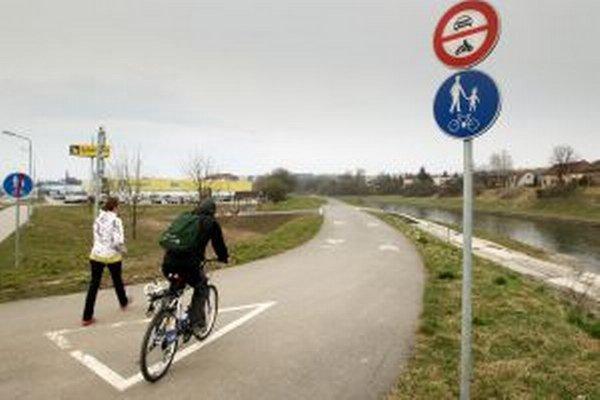 Združenie má pomôcť aj prepojeniu cyklotrás na oboch stranách hranice.