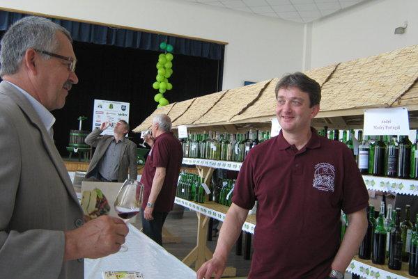 Degustácia a výstava vín v obci sa vydarila.