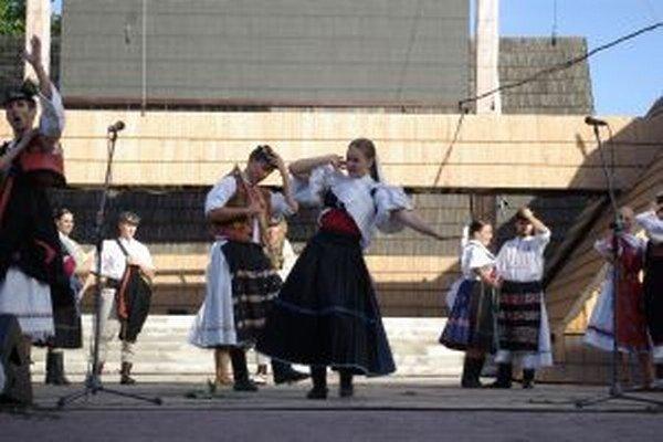 Folklórne slávnosti tentokrát neboli iba o dobrej muzike, speve a tanci.