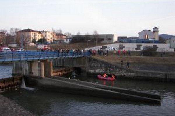V marci 2011 sa presne na tom istom mieste utopil 29-ročný Zvolenčan.