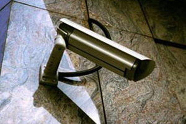 Kamerový záznam udalosti je už v rukách štátnej polície.