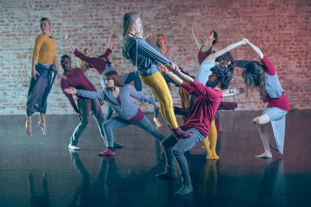 Tanečná skupina MC DC.