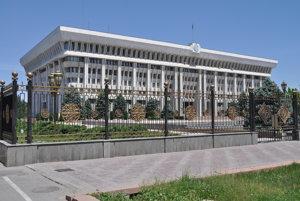 Biely dom je sídlom kirgizskej prezidentky.