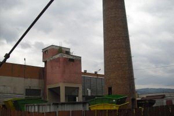 V najmladšom meste na Slovensku zostal jediný komín, ktorý kedysi patril mestskej kotolni.