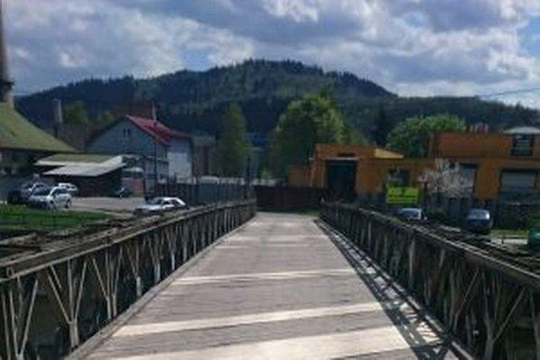 Most v Čadci – Bukove okrem iného slúži ako náhradné dopravné spojenie pri výluke tunela Horelica.