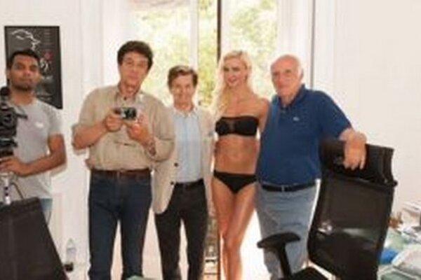 Martine Štetiarovej sa mimoriadne darí. Najnovšie si zahrá v talianskom filme, v ktorom režisér vsadil nielen na známych hercov ako napríklad Ornella Muti, ale aj na novú tvár, ktorou je Martina.