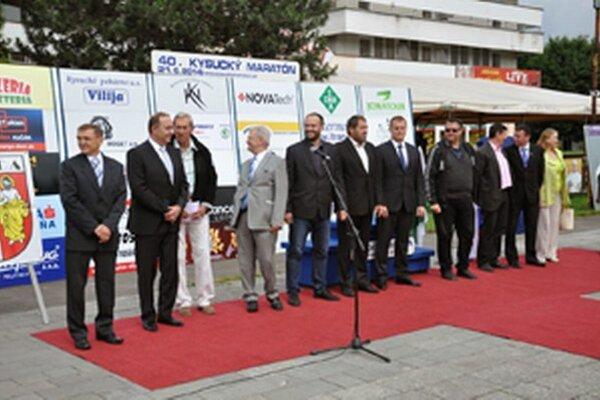 Otvárací ceremoniál 40. ročníka Kysuckého maratónu.