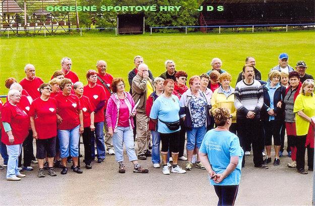Účastníci Letných športových hier seniorov okresu Tvrdošín.