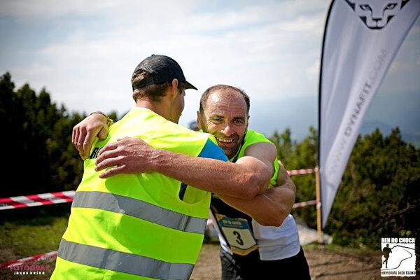 Na vrchole Choča boli už pretekári šťastní, že dobehli.