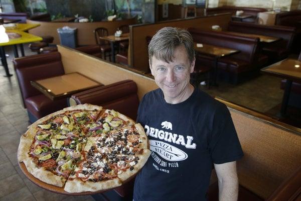 Pizza je najobľúbenejšie jedlo cez donáškové služby.