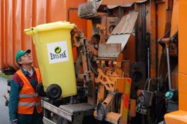 Mestá a obce si cez elektronické aukcie môžu zabezpečiť napríklad aj lacnejší odvoz odpadu.