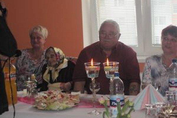 Okrúhle jubileum oslávila pani Anežka v kruhu známych a najbližších.