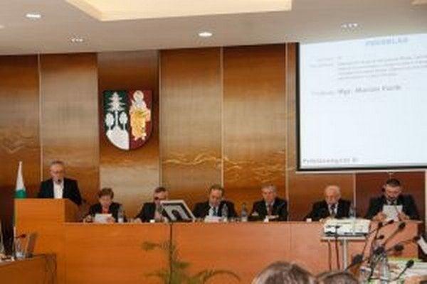 Poslanci na poslednom zastupiteľstve schválili vyrovnaný rozpočet.