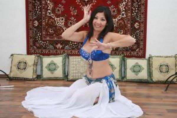 Rodáčku z Kazachstanu pozná veľa ľudí aj vďaka orientálnym tancom.