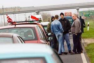 Heriban, Slovák žijúci v maďarskej obci Rajka, mal vraj v pondelok opľuť demonštrantov, ktorí sa snažili zablokovať štátnu hranicu so Slovenskom. On to odmieta.