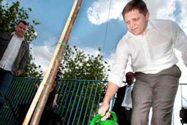 Premiér Robert Fico deklaroval záujem o zelené témy, s ochranárskymi aktivistami si však nerozumie. Nazval ich radikálmi.