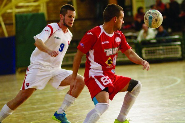 Ján Jančo (v bielom) sa prezentoval v stretnutí gólom.