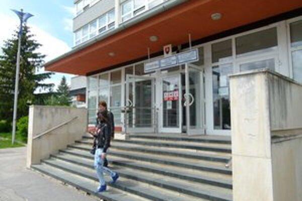 V Levickom okrese je evidovaných vyše 10-tisíc ľudí bez práce. Miera nezamestnanosti je 17,70 percenta.