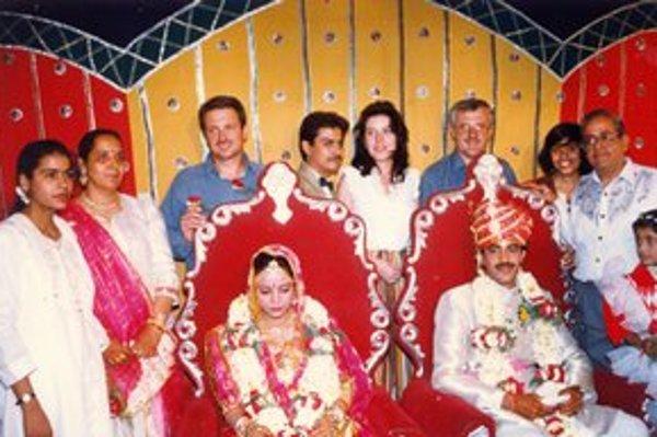 Tlmačan strávil v Indii niekoľko rokov. Keďže rád fotil, miestni ho pozývali fotografovať svadby.