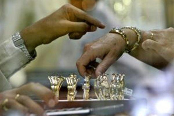 Investícia, ktorá sľubuje rýchly zisk, aj keď sa týka diamantových šperkov, sa nemusí vždy vyplatiť.