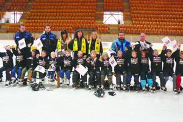 Predškoláci ukončili štvrtý ročník projektu hokejovej škôlky.