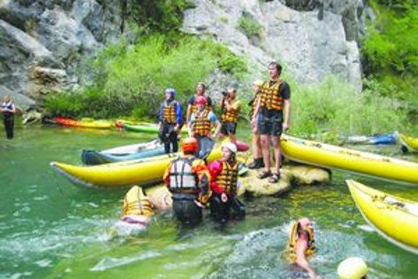 Vodáci z Tlmáč spolu splavujú rieky už päť rokov.