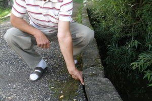 Brhlovčan Tomáš Németh sa obáva narušenia mosta.