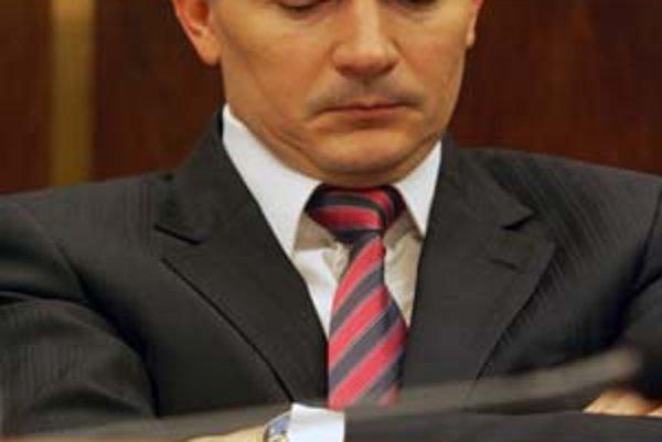 Minister šiel do Monaka za smradom.