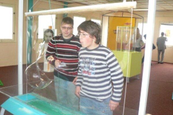Návštevníci v centre môžu experimentovať bez akýchkoľvek obmedzení a inštrukcií.