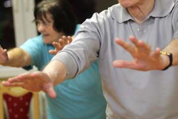 Skupina ružinovských seniorov je prvá externá trieda združenia taoistického taiči na Slovensku .